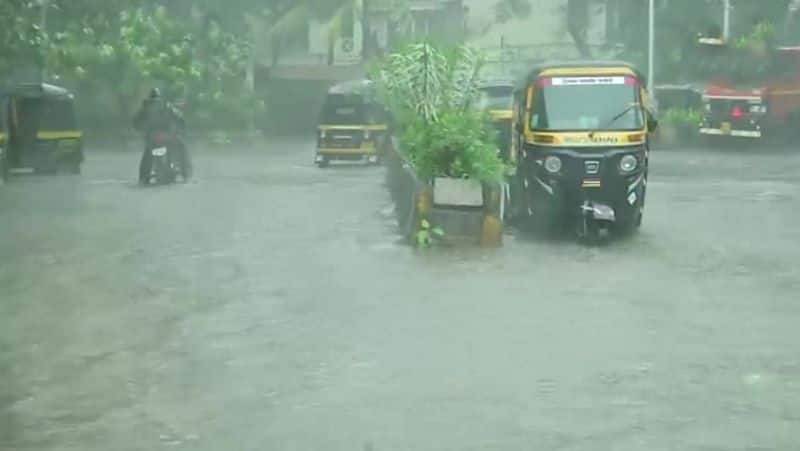 Cyclone tauktae hits power for 18 lakh in Maharashtra 2 districts bsm