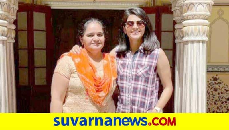 Indian Womens Cricketer Priya Punia shares emotional post after mother passes away due to COVID 19 kvn
