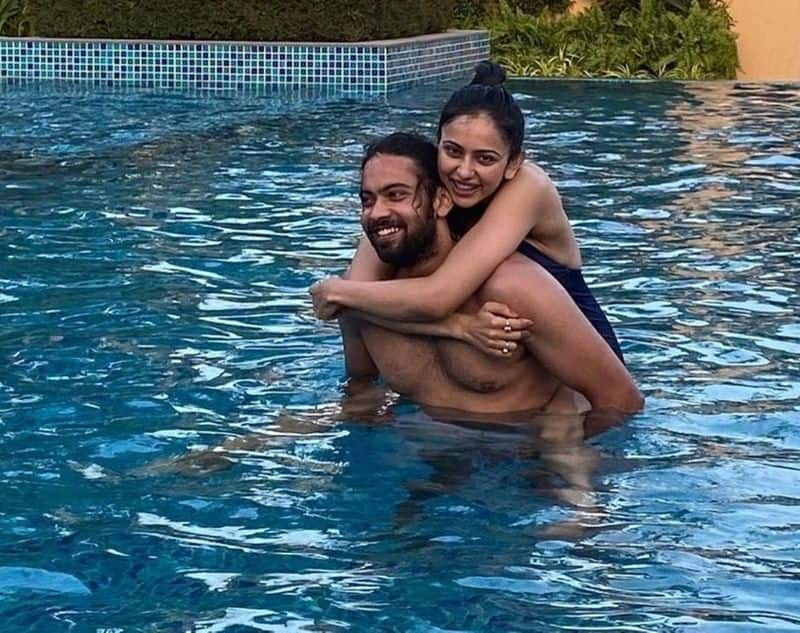 brothers day special heroin rakul preeth shares a photo ksr