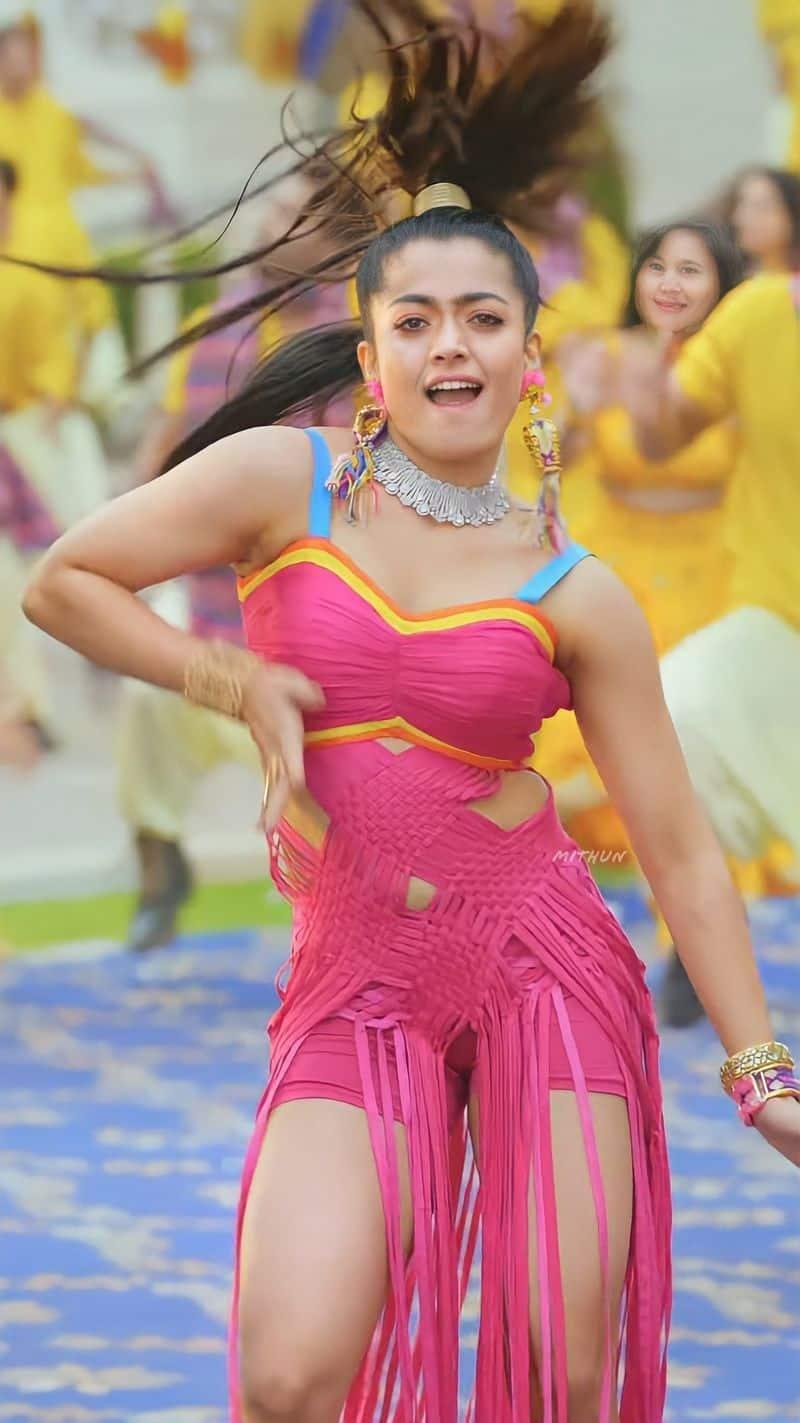 ರಶ್ಮಿಕಾ ಇತ್ತೀಚೆಗೆ rapperಬಾದ್ಶಾ ಅವರ ಮ್ಯೂಸಿಕ್ ವಿಡಿಯೋ 'ಟಾಪ್ ಟಕರ್' ನಲ್ಲೂ ಕಾಣಿಸಿಕೊಂಡಿದ್ದರು.