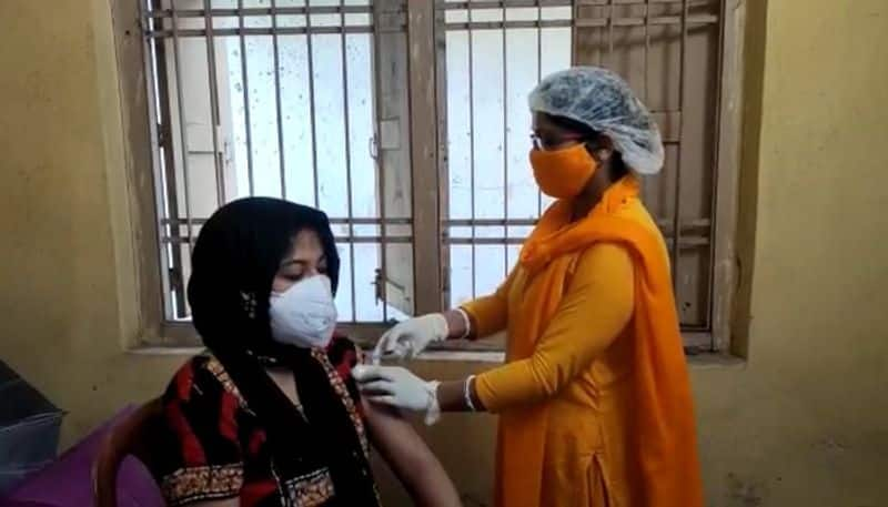 Ensure everyone gets at least 1 vaccine dose says a senior government official mah