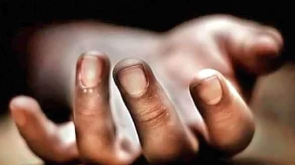 two consecutive deaths caused a stir in Murshidabad On Sunday morning  bpsb