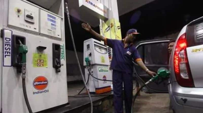 Petrol crosses Rs 95 a litre in Delhi, above Rs 100 mark in 5 states and 1 UT