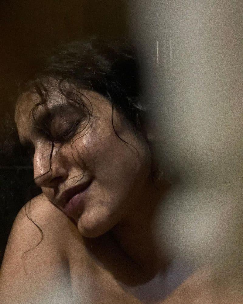 ప్రస్తుతం ఈ బ్యూటీ `ఇష్క్` అనే సినిమాలో నటిస్తుంది. అంతకు ముందు నితిన్తో `చెక్` చిత్రంలో నటించింది.