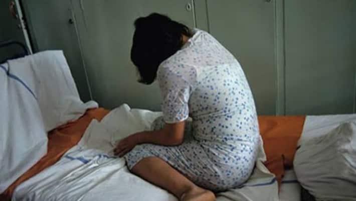 బాత్రూం వీడియోలతో బెదిరించి... యువతిపై ముగ్గురు యువకులు అత్యాచారం (వీడియో)    three boy raped young girl in vijayanagaram district akp
