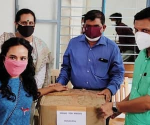 Advocate given 10000 masks for covid defense activities