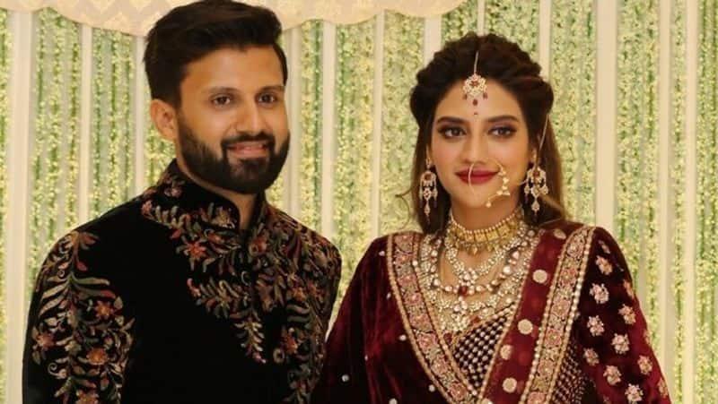 बता दें कि नुसरत जहां ने तुर्की के बॉडरम टाउन बिजनेसमैन निखिल जैन से 19 जून, 2019 को शादी की थी। दोनों ने मुस्लिम, हिंदू और क्रिश्चियन रीति-रिवाज से शादी की थी।