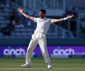 James Anderson equals Anil Kumble Record of most test wickets after virat Kohli dismissal CRA