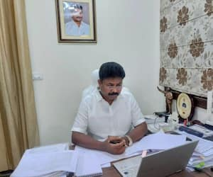cm jagan confirm to give jobs to  2008 DSC candidates.... minister suresh