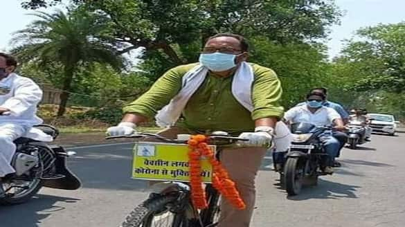 Jharkhand MLA Pradeep Yadav riding cycle for Vaccination awareness, know all about DHA