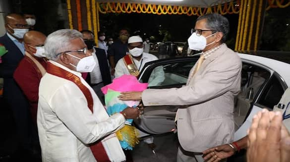 CJI NV Ramana offers prayers to Lord Venkateswara Swamy lns