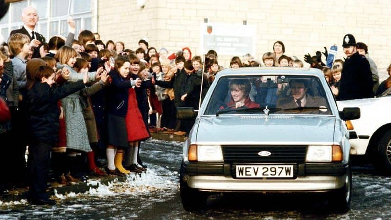 Princess Dianas engagement gift Ford Escort to be auctioned