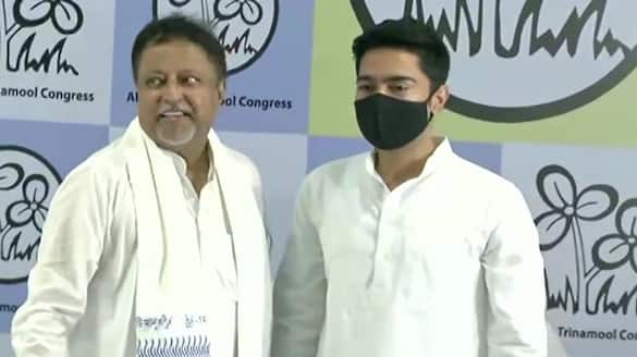 mukul roy changed his twitter handle photo after joining tmc bmm