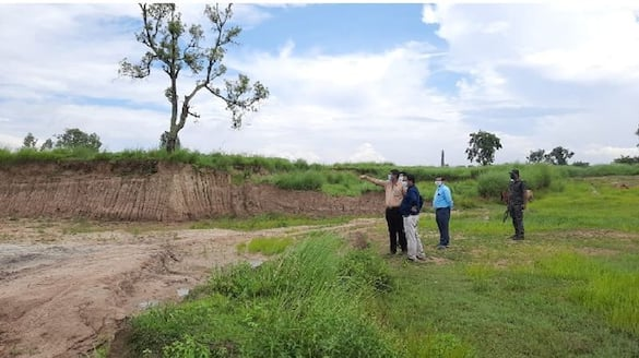 Soil is being cut illegally in the area adjacent to the Kulik river dam bpsb