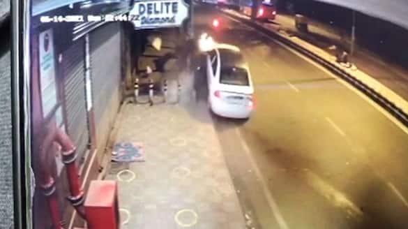 E-Rickshaw Driver, Woman Killed By Speeding Car In Delhi  - bsb