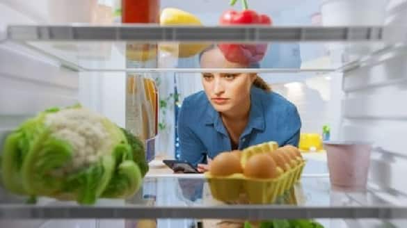 viral tweet shows many people have the habit of opens fridge frequently