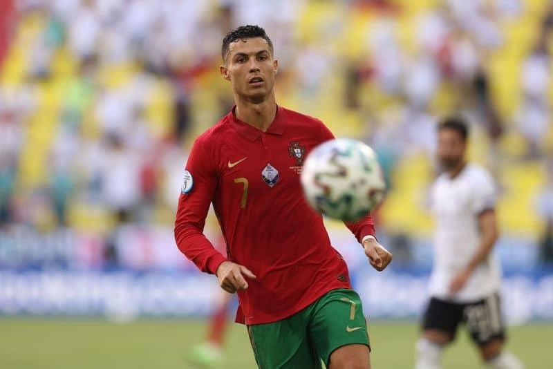 Estatísticas - Ronaldo marcou seu 19º gol na EM / Copa do Mundo ao lado do alemão Miroslav Klose, o maior jogador.  - A Alemanha foi o primeiro time a marcar e se beneficiar de um gol contra na zona do euro.  Portugal é o primeiro clube a sofrer dois golos contra si próprios num jogo no Campeonato da Europa.  - Havertz (22 anos) é o mais jovem artilheiro do Campeonato Europeu da Alemanha.  - Portugal sofreu quatro gols em uma partida do Campeonato Europeu / Copa do Mundo pela segunda vez durante a Copa do Mundo FIFA 2014, a última vez contra a mesma equipe.  - Portugal também foi o primeiro campeão a sofrer quatro gols em um jogo.