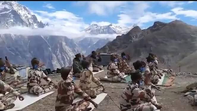 Watch ITBP soldiers do Yoga at 16000 feet in Himachal Pradesh-VPN