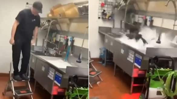 Taco Bell employee celebrates his last day at work in unique way; watch the video-tgy