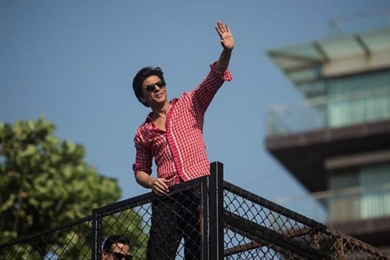Shah Rukh Khan fears if his fans will leave him for Saif Ali Khan, Akshay Kumar bmm
