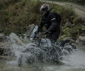 Royal Enfield Himalayan 650 Expected To Launch soon check Price, Specs, Image and Features