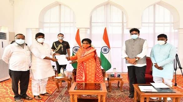 telangana congress leaders meet governor tamilsai - bsb