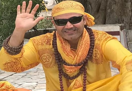 Virender Sehwag Hits 100000 Followers on Koo within 15 Days of Joining the Platform ckm