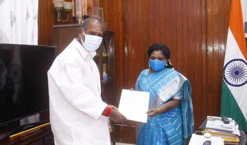 Puducherrys Super Chiefminister is Tamilisai ... former Chief Minister slam.!