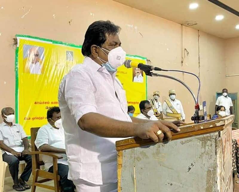 Former minister kc.veeramani house raid