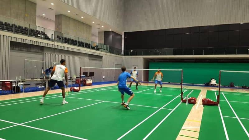 No one can go outside the Olympic Village without permission in the Kovid context.  Daily Kovid examination, do not eat in groups, always wear a mask.  Here are some suggestions on how to look or get an appointment for antique items in the Olympic Village.  (Indian badminton players in final round training.)