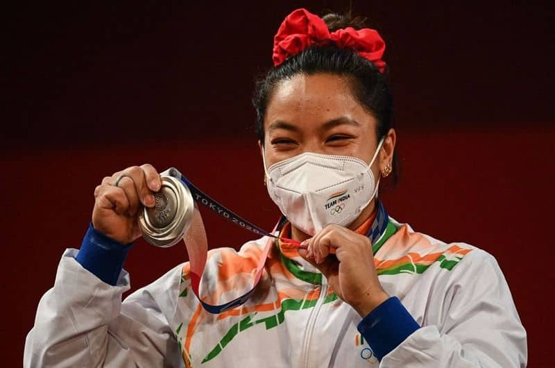 Mirabai Chanu wears good luck earrings gifted by her mother during Olympic silver win ALB