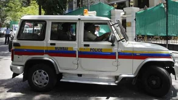 Mumbai Killed a friend at home and dumps body in the bathroom kpn
