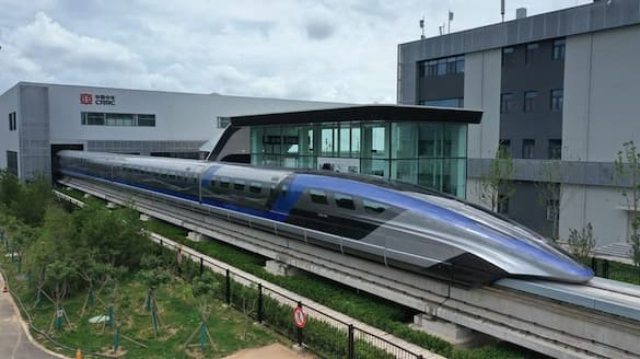 China introduces the fastest train in the world; top speed 600 km per hr