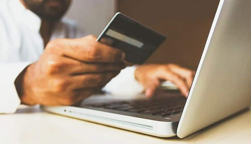 Revenue generated from online retail every minute $47,564