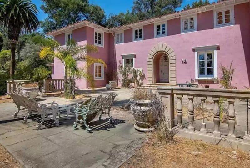 Ibrahim bin Ladens mansion for sale