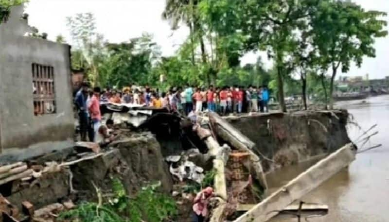 Families on the banks of the Ganges are in problem In Murshidabad bpsb