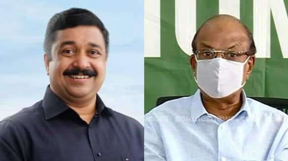 Najeeb Kanthapuram says there is a conspiracy going on against Kunhalikutty