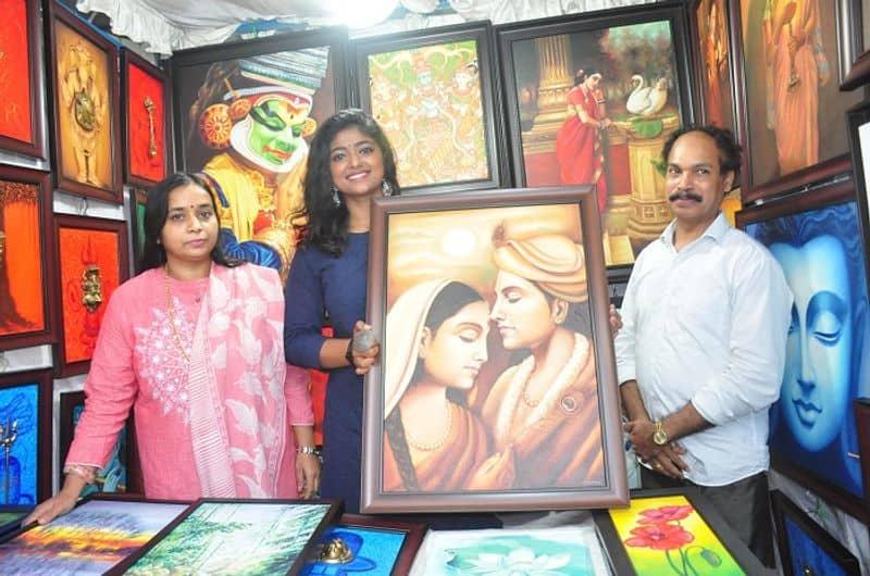 Big boss Fame bhoomi shetty inaugurate Bengaluru Festival in Karnataka Chitrakala Parishad ckm