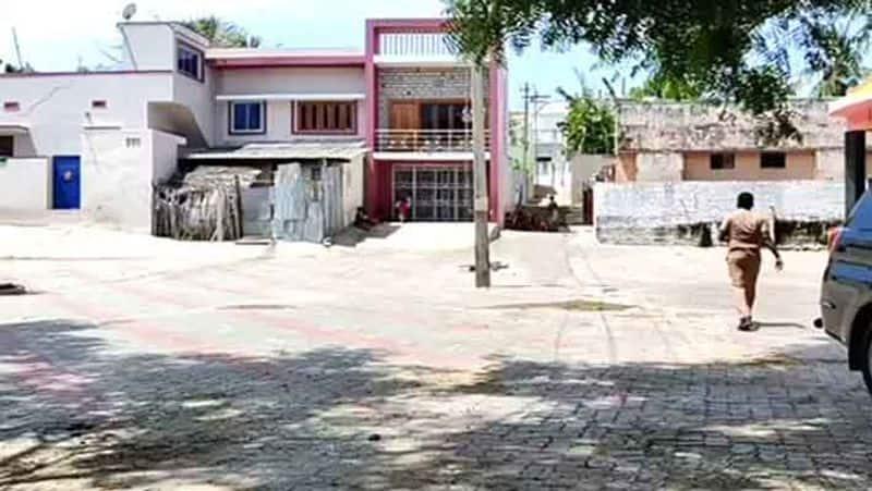 Enforcement officers raid DMK official house