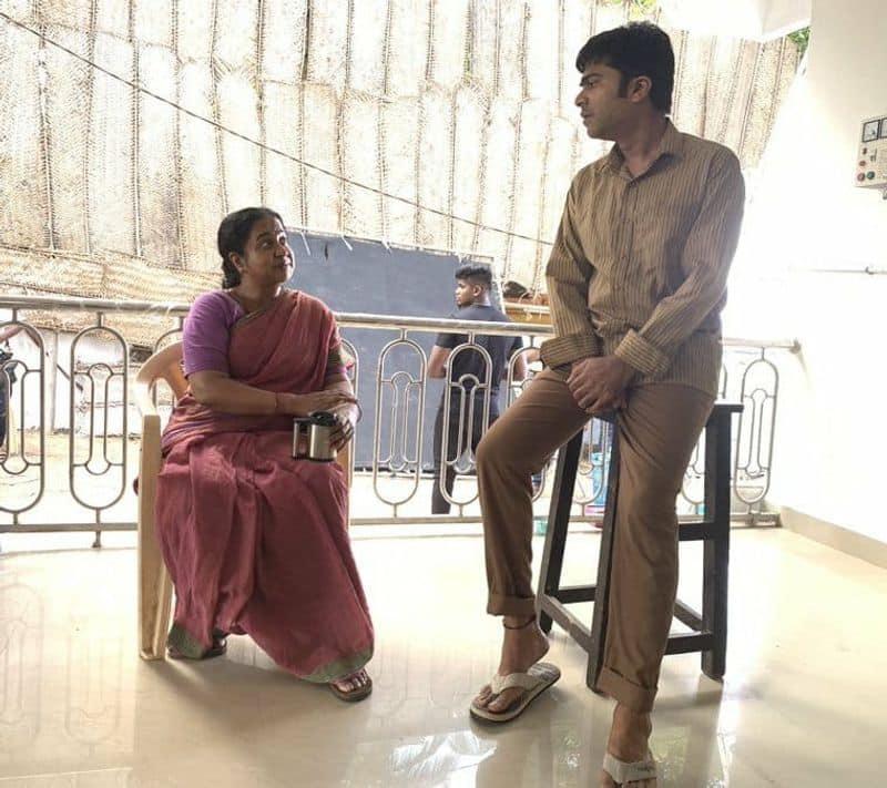 do you know simbu venthu thaninthathu kaadu movie actress?