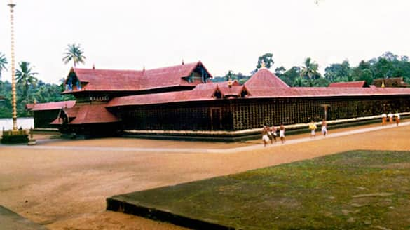 Police have confirmed the theft of a necklace from the Ettumanoor temple