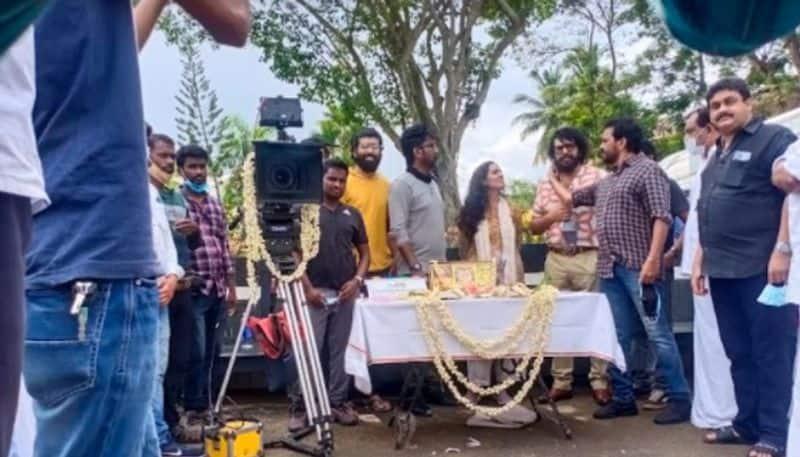 Mammootty Parvathy film puzhu begins