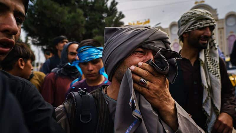 Pakistan closed its doors to the afghan people .. The sin of women will not leave pakistan.
