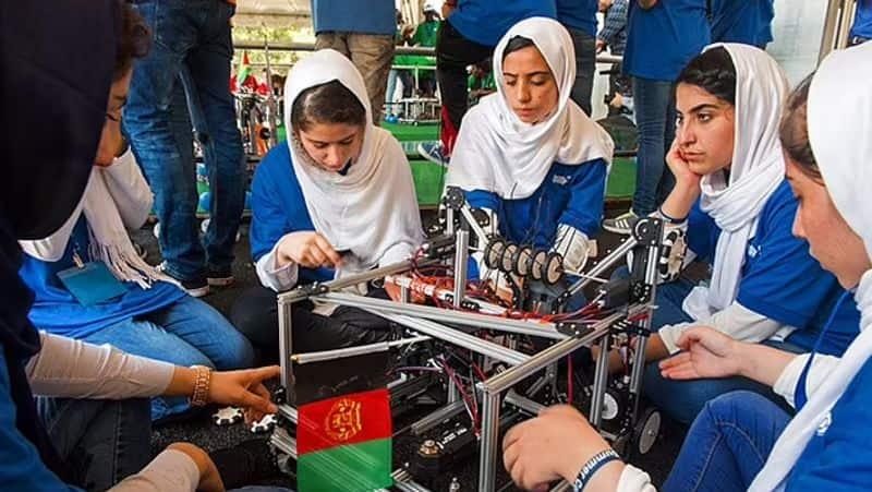 US woman rescues the all-girls Afghan robotics team, hailed as a 'superwoman' ALB