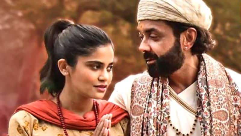 esha gupta to play Strong Role in Bobby Deol Web Series Aashram season 3