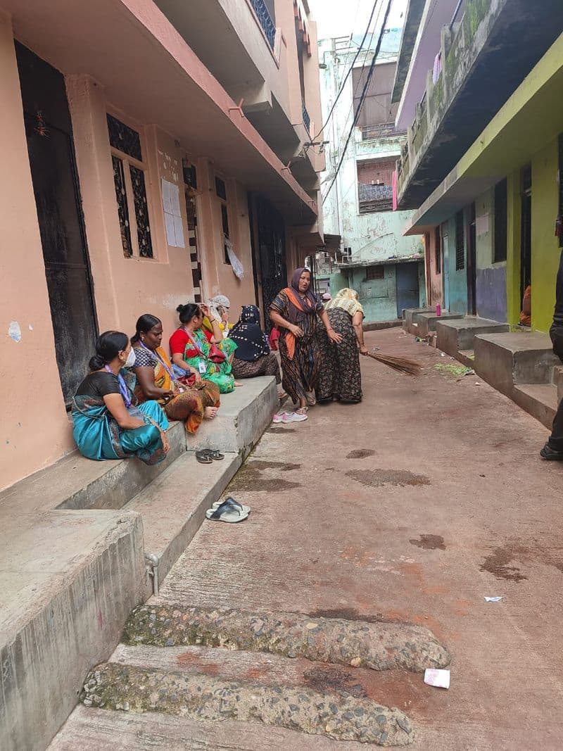 Ganga Jamuna sex workers fight to stay, officials firm to sweep prostitution from Nagpur's red-light area-SYT