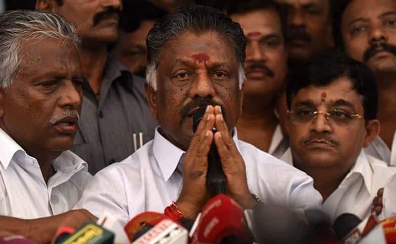 Breaking News: O. Panneerselvam's wife Vijayalakshmi passes away .. AIADMK volunteers shocked.