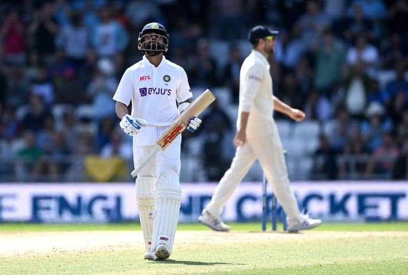 England beat India in 3rd test by an innings and 76 runs at headingley and level series by 1-1 spb