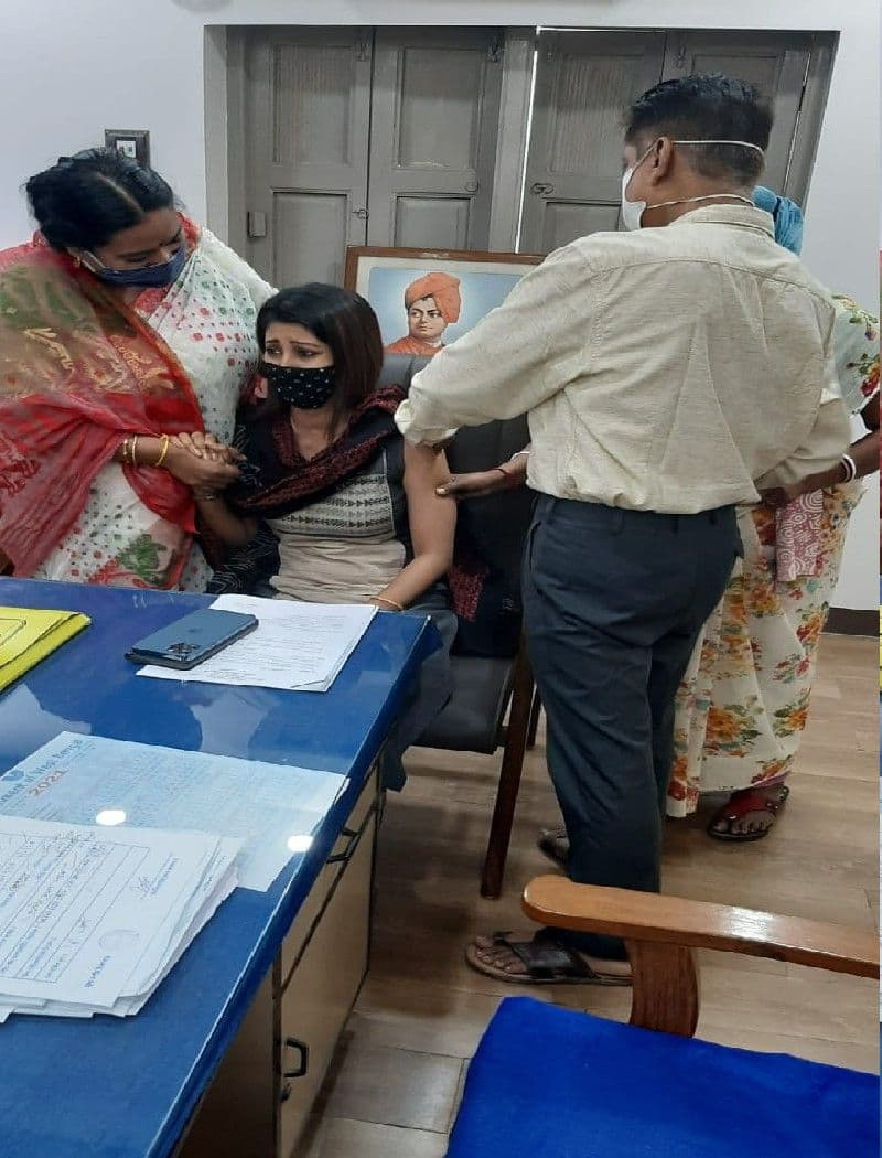 Bizarre images of MLA Lovely Maitra-s vaccination by doctor Pallab Das has created a spark on the internet