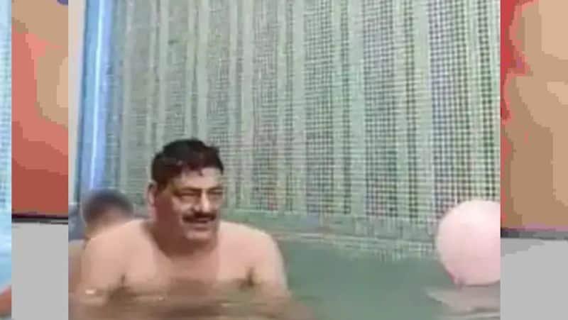 स्विमिंग पूल में DSP और महिला कांस्टेबल ने किया गलत काम, बच्चे के सामने  बिना कपड़े की सारी हदें पार | rajasthan police dsp and lady constable  suspended over obscene act in